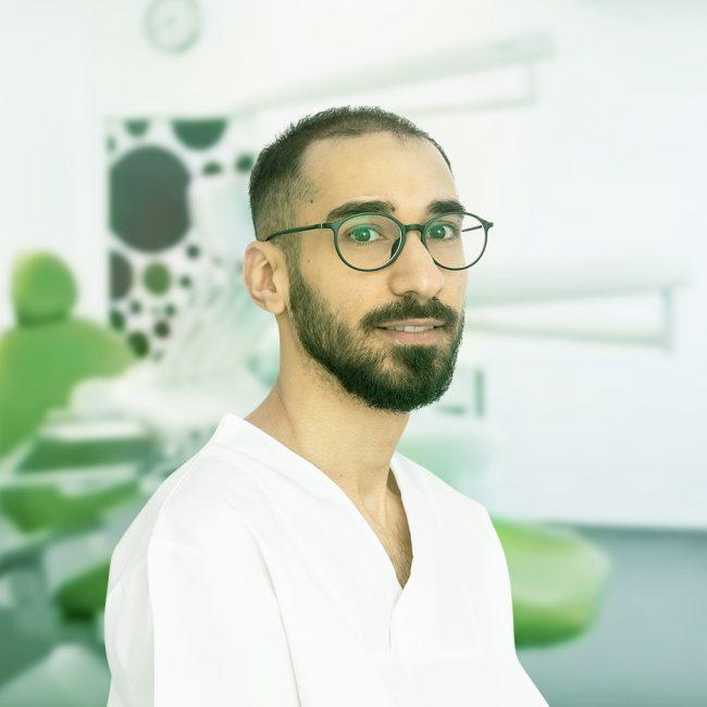 Incrustațiile dentare | Clinica OZONO